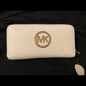 Michael Kors Wallet- BRAND NEW